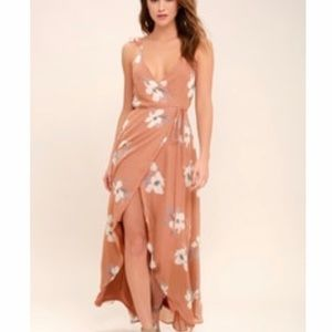Rusty rose floral print Lulus dress